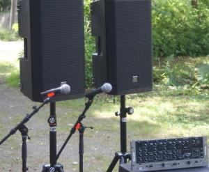 Hyra högtalaranläggning med mikrofon