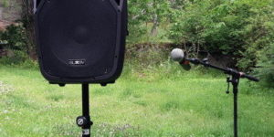 Batteridriven ljudanläggning med mikrofon